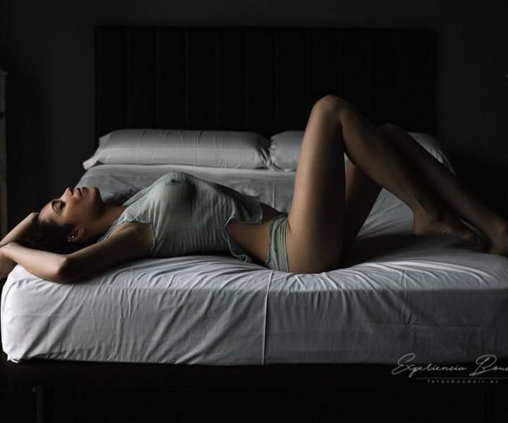 Sesión de fotos sexy en Valencia - Fotos Boudoir - Fotografía boudoir en Valencia elegante y sensual